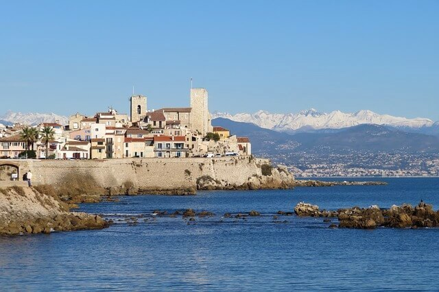 day trips from nice to antibes sea town