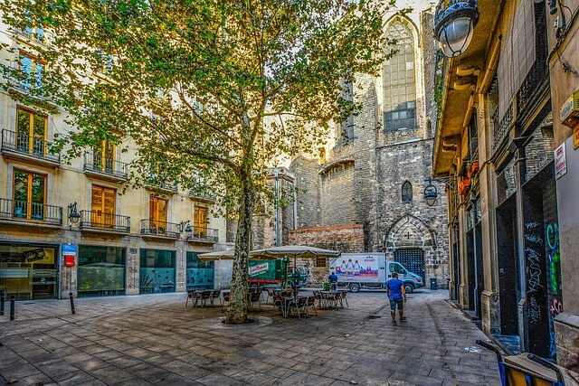 gothic quarter barcelona empty square