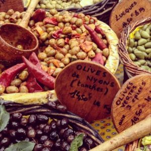 5 Best Outdoor Markets in the South of France (and a few tips)
