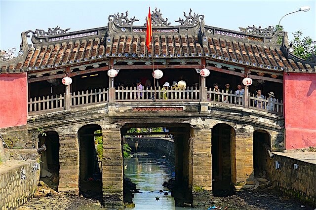 japanese covered bridge hoian