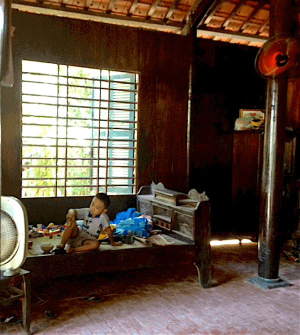 hoian interior room with boy