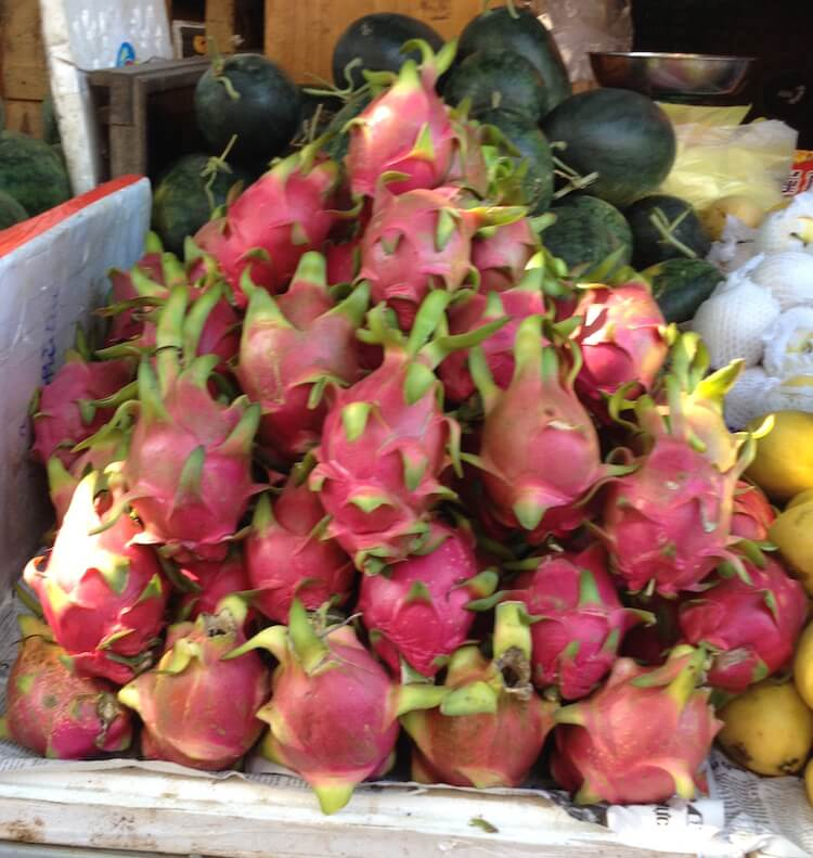 hoian central maket dragon fruit