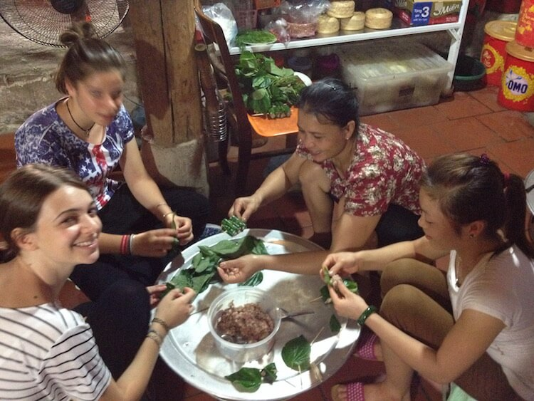 mai chau family cooking