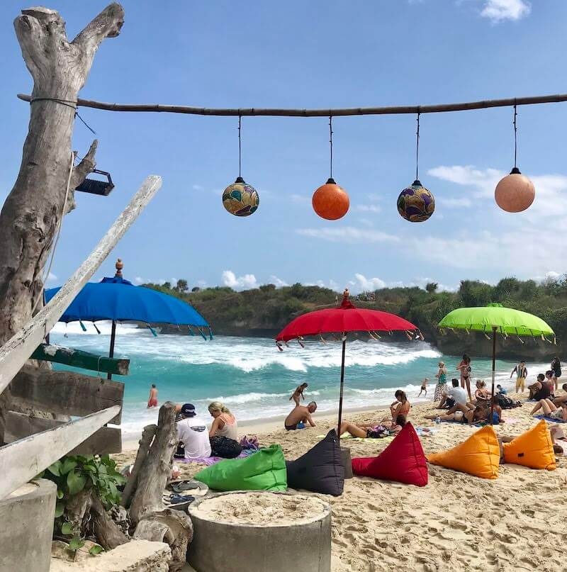 beanbags on dream beach nusa lembongan