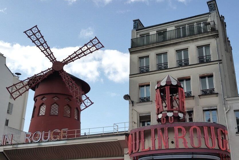 spend-a-great-day-in-montmartre-moulin-rouge