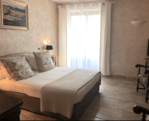 hotel valensole room